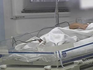 Piora quadro de bebê internado com suspeita de intoxicação por crack (Foto: Reprodução/TV Anhanguera)