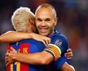 """Neymar manda mensagem de apoio para Iniesta, lesionado: """"Força, irmão"""""""