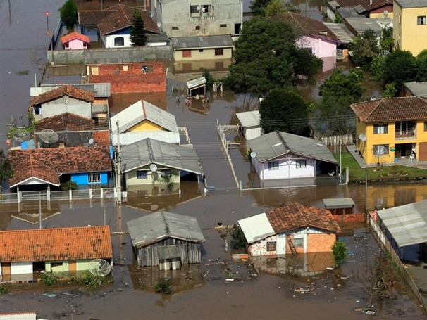Paraná TV chuva (Foto: Arnaldo Alves / ANPr/ Reprodução G1)