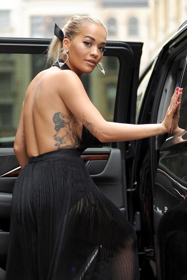 Rita Ora em Nova York, nos Estados Unidos (Foto: AKM-GSI/ Agência)