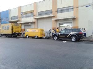 Criminosos assaltam correios em Divinópolis (Foto: Alberto Machado/Divulgação)
