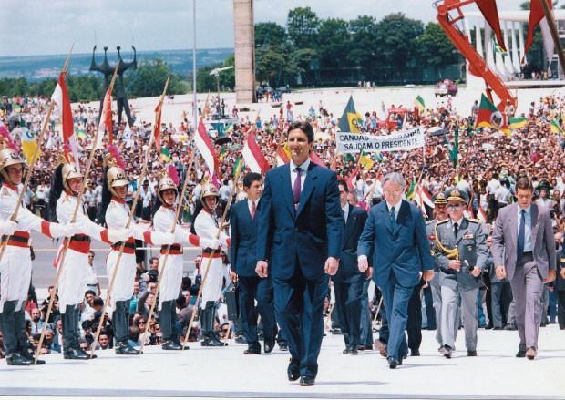 OUTROS TEMPOS  Fernando Collor quando era presidente da República. Ele sofreu impeachment  em 1992, mas foi absolvido pelo Supremo em 1994  (Foto: Sérgio Tomisaki/Folhapress)