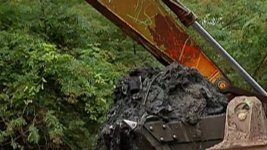 Daee já retirou mais de 56 mil metros cúbicos de sedimentos do Rio Tietê em Mogi