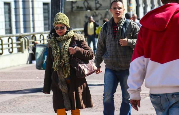 Frio na cidade faz os paulistanos saírem a rua com suas roupas de inverno para se proteger (Foto: Paulo Pinto/ Fotos Públicas)