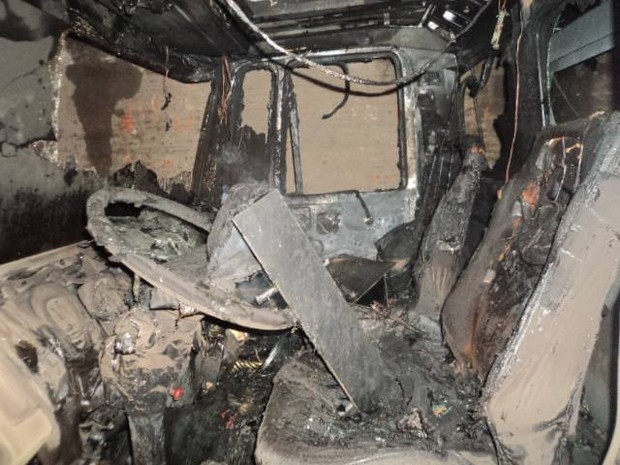 Proprietário acredita em incêndio criminoso (Foto: Corpo de Bombeiros de Laguna/Divulgação)