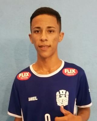 Marcos Vinicius marcou três gols, mas não conseguiu evitar a derrota de Itatiaia (Foto: Divulgação)