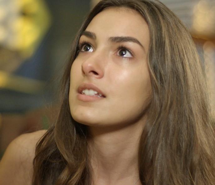 Lu fica com os olhos cheios de lágrimas! (Foto: TV Globo)
