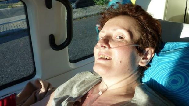 Nadja queria voltar à Romênia para morrer cercada por familiares   (Foto: Stichting Ambulance Wens)