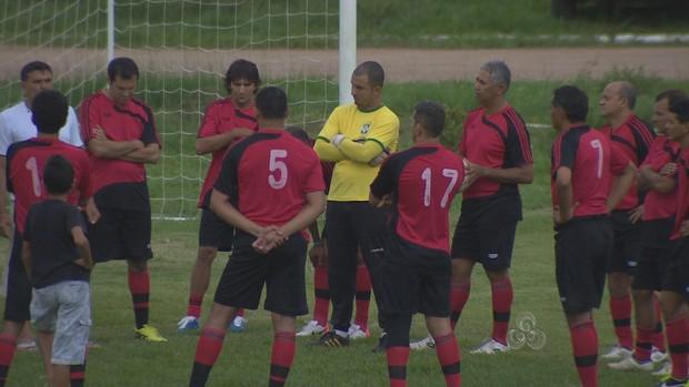 Seleção de Rondônia se preprara para enfrentar a equipe Máster do Flamengo (Foto: Reprodução/TV Rondônia)