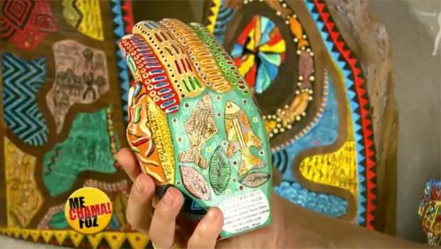 Artista plástico de Foz do Iguaçu   se inspira na arte primitiva (Foto: Reprodução/RPC)