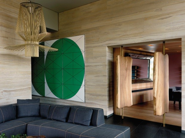 Casa no meio de um campo de golfe no Mexico e repleta de arte e design (Foto: Massimo Listri )