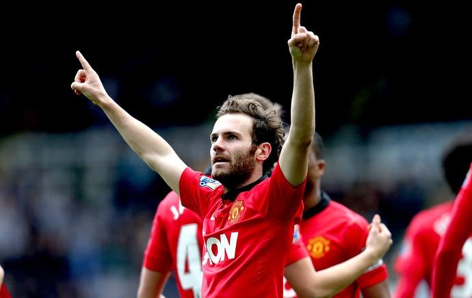 Juan Mata comemoração jogo Manchester United contra Newcastle (Foto: AP)