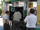 Fiscalização descobre irregularidades em 15 bombas em postos do litoral