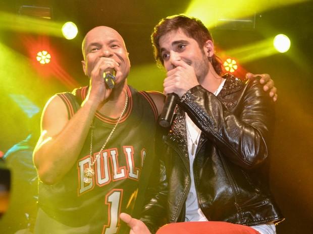 Buchecha canta com Fiuk em boate em São Paulo (Foto: Caio Duran/ Ag. News)