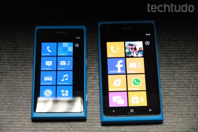 Lumia 800 e Lumia 900 lado a lado (Foto: TechTudo/Marlon Câmara)