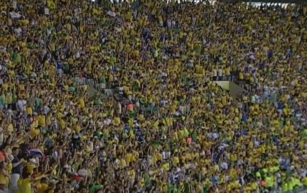 A reportagem mostrou a união da torcida para os jogos do Brasil. (Foto: Acre TV)
