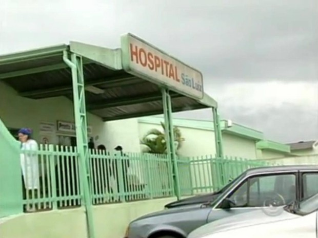 Pacientes reclamam da demora no atendimento e descaso (Foto: Reprodução TV Tem)