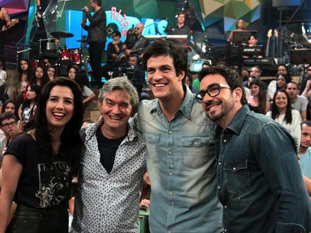 Serginho recebe Marjorie Estiano, Mateus Solano e Padre Fabio de Melo (Foto: Marcos Mazini/Gshow)