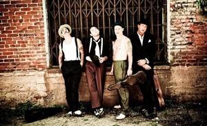 Red Hot Chili Peppers libera música nova e anuncia novo disco