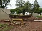 Rio alaga em Santa Cruz do Rio Pardo e deixa famílias desabrigadas