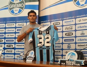 Tony lateral-direito Grêmio (Foto: Hector Werlang / GLOBOESPORTE.COM)