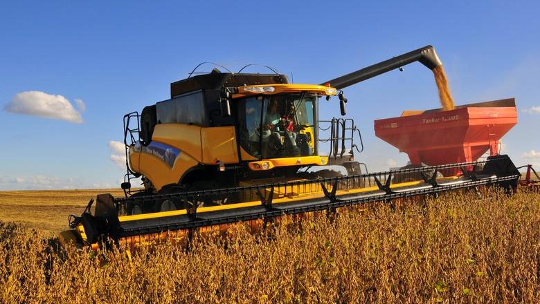 agricultura_soja_maquina (Foto: Tadeu Vilani/Ed. Globo)