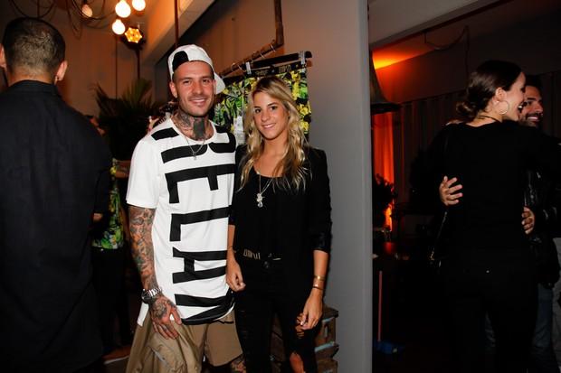 Mateus Verdelho com a nova namorada, Shantal Abreu (Foto: Marcos Ribas/BrazilNews)