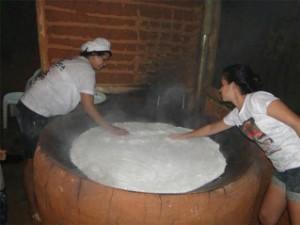 Tapioca gigante será preparada e servida ao público, em Anchieta (Foto: Divulgação/ Setur)