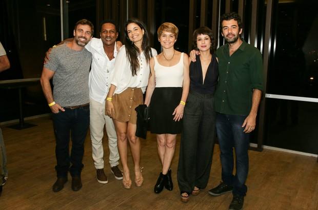 Marcelo Faria, Luis Miranda, Emanuele Araújo, Claudia Abreu, Andreia Horta e o namorado, Gustavo Machado. (Foto: Ricardo Nunes/Divulgação)