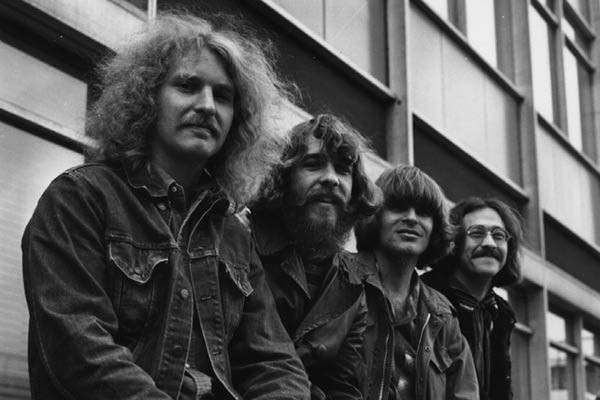 Tom Fogerty (esquerda) e os outros integrantes do Creedence Clearwater Revival (Foto: Getty Images)