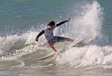 Veterano chama aten��o em etapa de abertura do Circuito Surf Kids