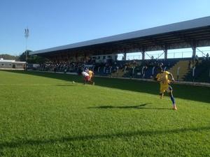Gil Mineiro marcou dois gols para o Interporto no jogo contra o Colinas (Foto: Vilma Nascimento/GloboEsporte.com)