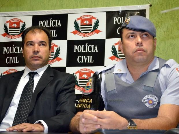 Delegado Fernando Marcos Dultra e capitão Golini, da PM, em entrevista nesta quinta-feira em Piracicaba (Foto: Araripe Castilho / G1)