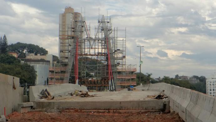 Obras viaduto pinheiro borda porto alegre copa do mundo (Foto: Paula Menezes/GloboEsporte.com)