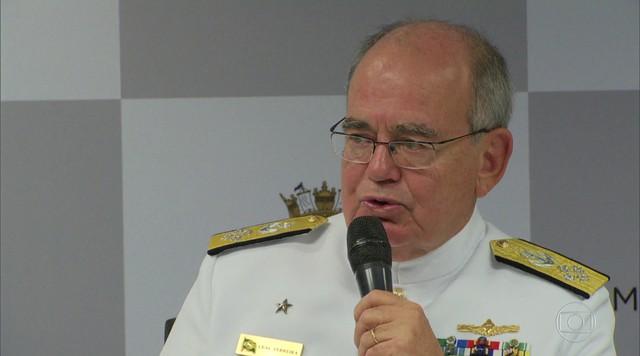 Bolsonaro tem encontro com Comandante da Marinha, no Rio de Janeiro
