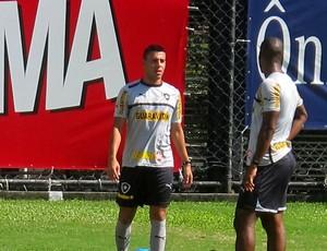 Gabriel botafogo treino (Foto: Thales Soares)
