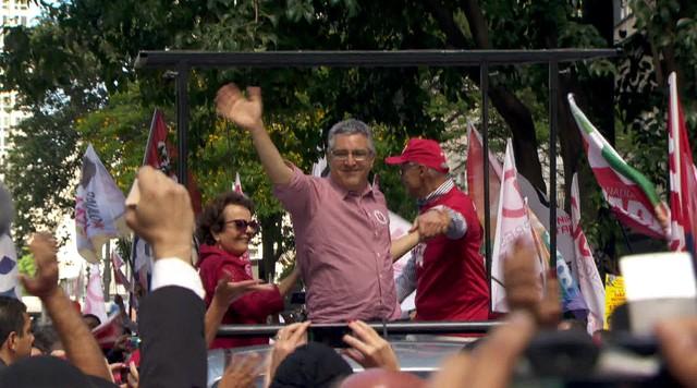 Alexandre Padilha faz campanha em São José dos Campos e na capital