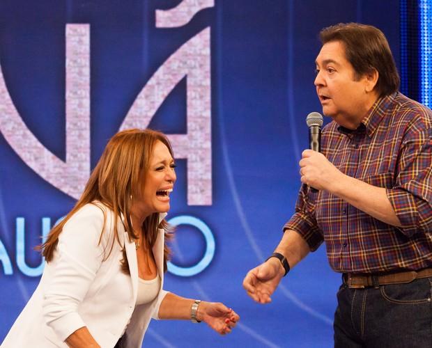 Susana Vieira brinca ao dar conselhos  (Foto: Arthur Seixas / Gshow)