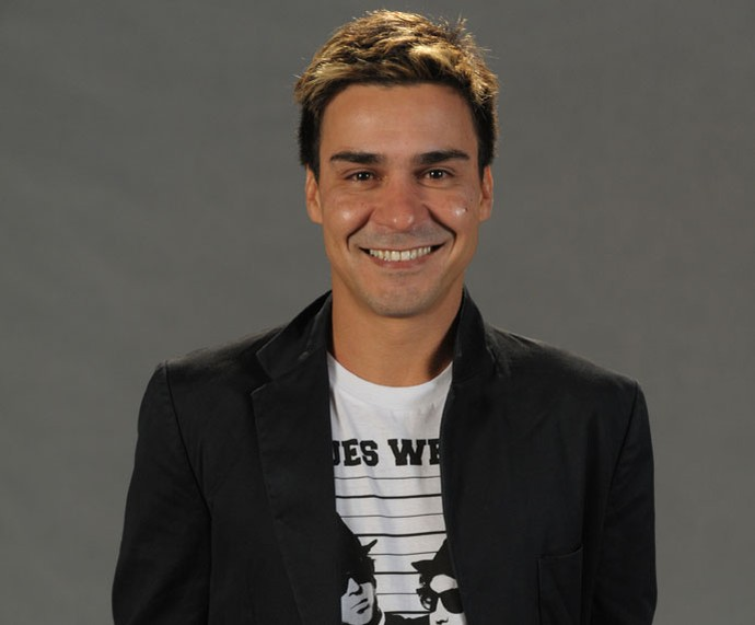 Em Salve Jorge, André Gonçalves tinha luzes no cabelo  (Foto: Globo/João Cotta )