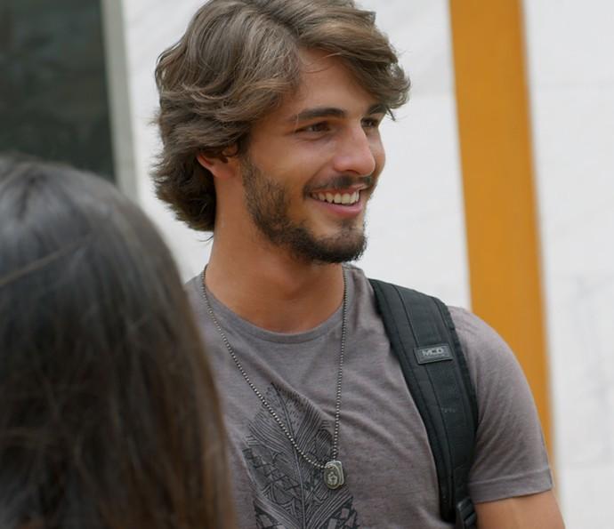 Roger fica com aquele sorriso sarcástico de sempre (Foto: TV Globo)