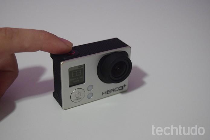 Pressione o botão superior apenas uma vez  (Foto: Juliana Pixinine/TechTudo)