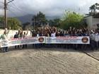 Funcionários da Cursan continuam greve com atrasos nos benefícios