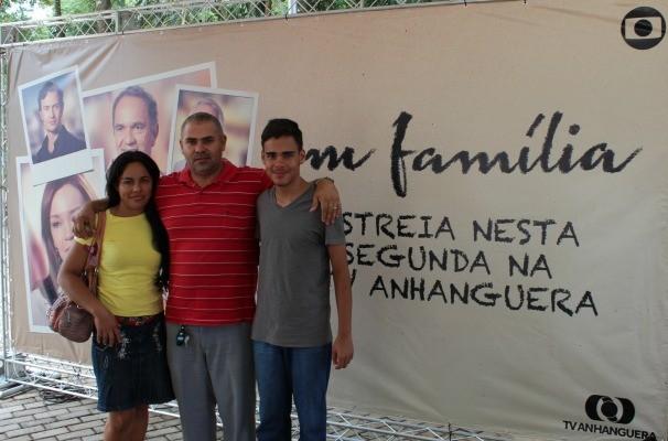 Família reunida no Parque Mutirama em Goiânia. (Foto: Divulgação/TV Anhanguera)