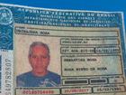 Homem de 65 anos capota com carro e morre na RJ-106, em São Pedro
