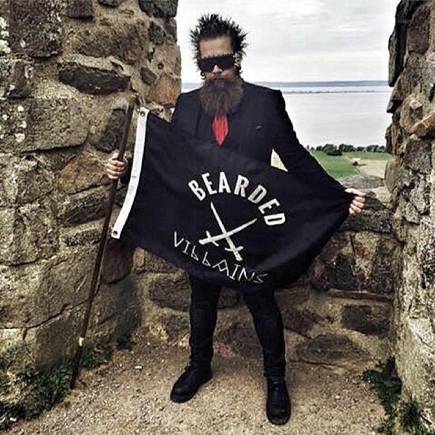A bandeira dos Bearded Villains