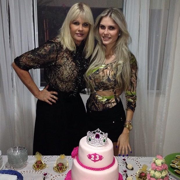 Bárbara Evans comemora o aniversário com a mãe (Foto: Reprodução/Instagram)