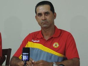 João Batista, técnico do Atlético Sorocaba (Foto: Emilio Botta)