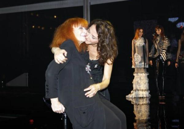 Sonia Rykiel, estilista francesa, ao lado da filha, Nathalie, em 2008 (Foto: Getty Images)
