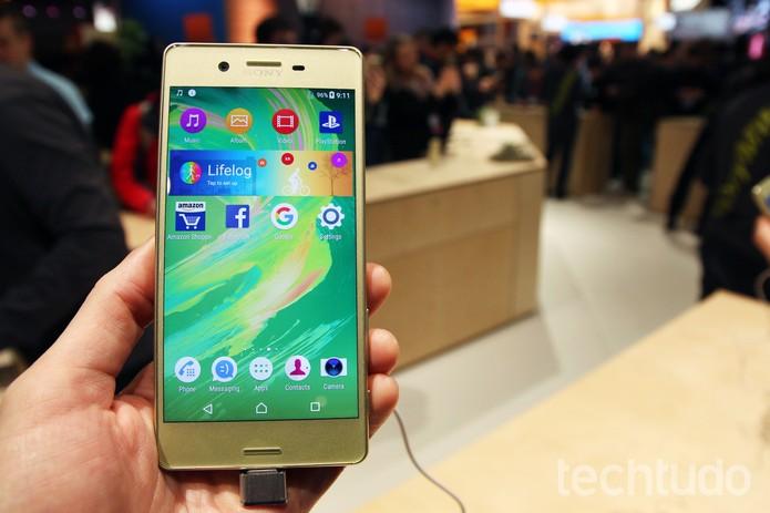 Tela do Xperia X, novo smartphone da Sony (Foto: Fabrício Vitorino/TechTudo)