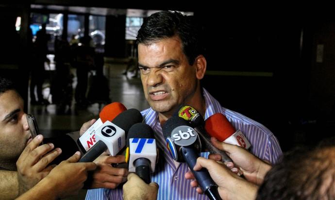 Moacir Júnior Náutico (Foto: Aldo Carneiro / Pernambuco Press)